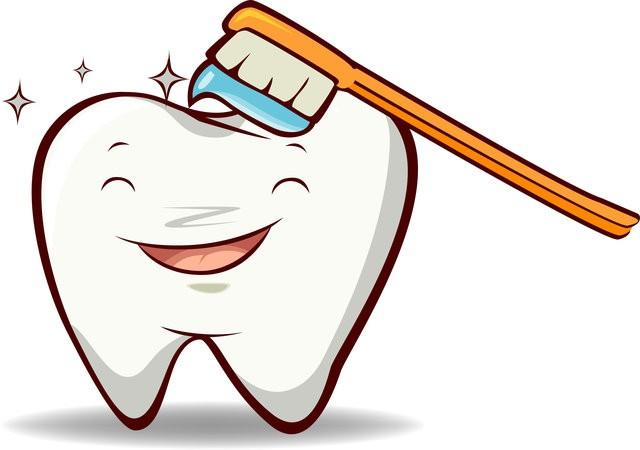 4 Best Home Remedies to Whiten Teeth Naturally and Quickly
